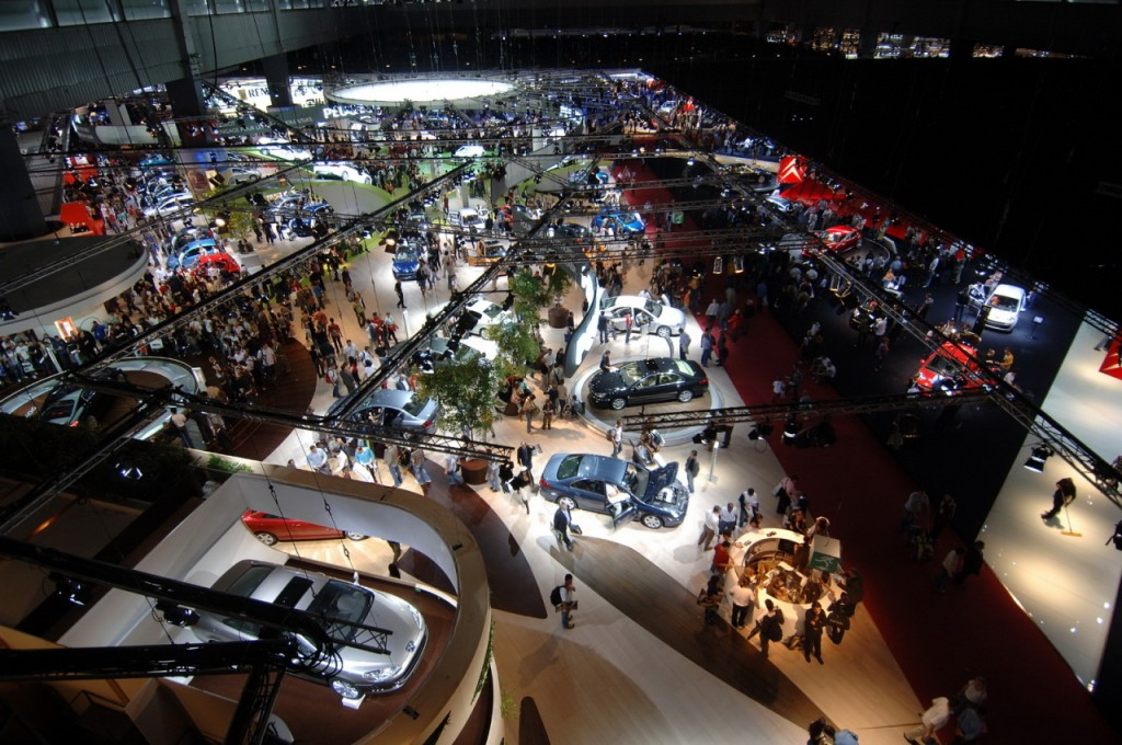 Salon auto Paris Ambiance
